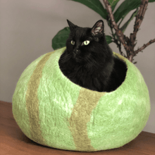 Load image into Gallery viewer, natural wool cat cave