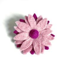 Load image into Gallery viewer, wool-felt-pink-flower