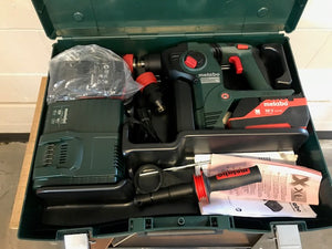 "METABO KHA36LTX 1 1/4"" SDS+ COMBINATION ROTARY HAMMER KIT 5.2 BATTERIES"