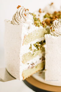 Hands-on Green Tea Azuki and Black Sesame Cream Cake