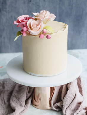 Hands-on Salted Caramel Low-Sugar Buttercream Cake with Hand-Made Roses Workshop