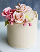 Load image into Gallery viewer, Hands-on Salted Caramel Low-Sugar Buttercream Cake with Hand-Made Roses Workshop