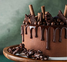 Load image into Gallery viewer, Hands-on Dark Chocolate Truffles Cream Cake