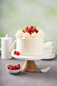 Hands-on Very Berry Cake with White Chocolate Ganache Whipped Cream