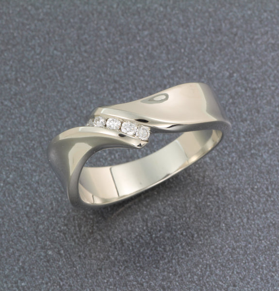 "14k whilte gold Womans ""Mobius"" ring with diamonds"