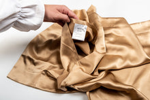 Load image into Gallery viewer, oxford silk pillowcase: gold