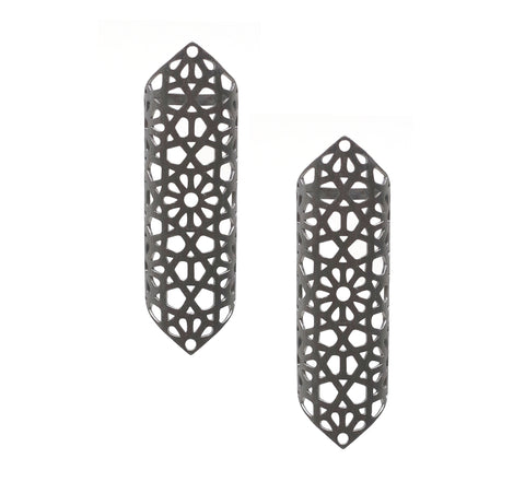 Leaf Taar Earrings with Black Bead
