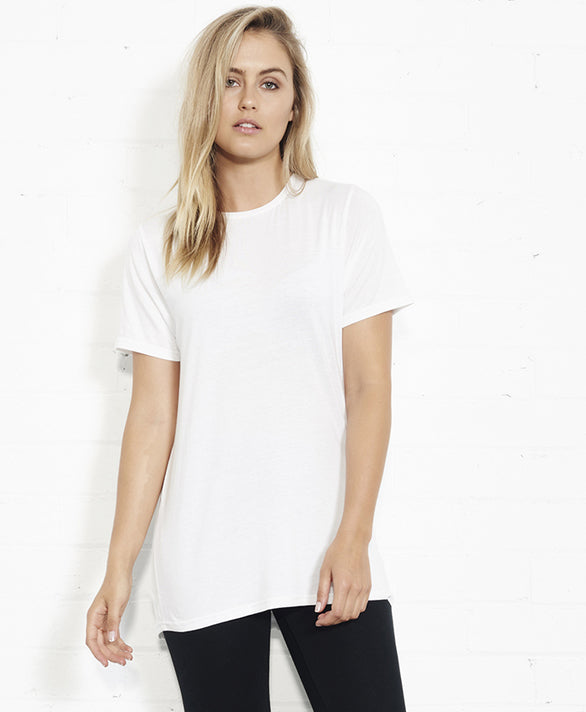 SCOOP HEM TEE - WHITE
