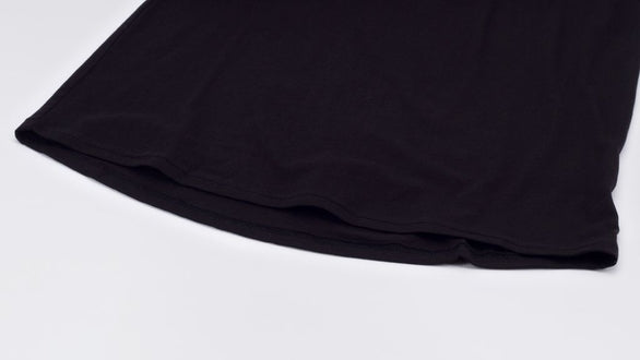 SCOOP HEM TEE - BLACK