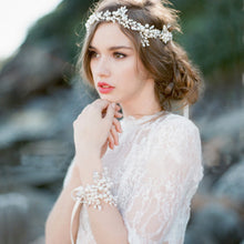 Load image into Gallery viewer, Beautiful Handmade Vintage Bridal Headpiece