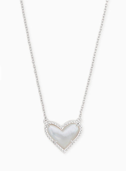 Kendra Scott Ari Heart Necklace in Ivory Pearl