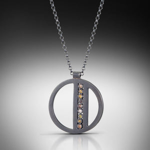 Oscuro Necklace