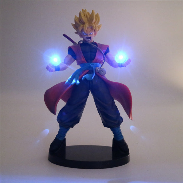 Super Saiyan Goku Action Figure -4