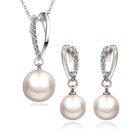 lynette-white-gold-pearl-necklace-earrings-set