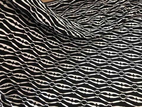 Black & White 3D Textured Stretch Jersey ((1.1mt)