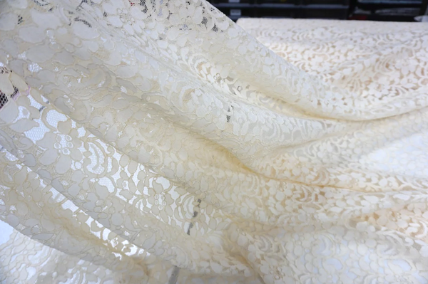 Scalloped Corded Lace, Ivory Cream