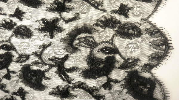 French Chantilly Lace, Embroidered Noir