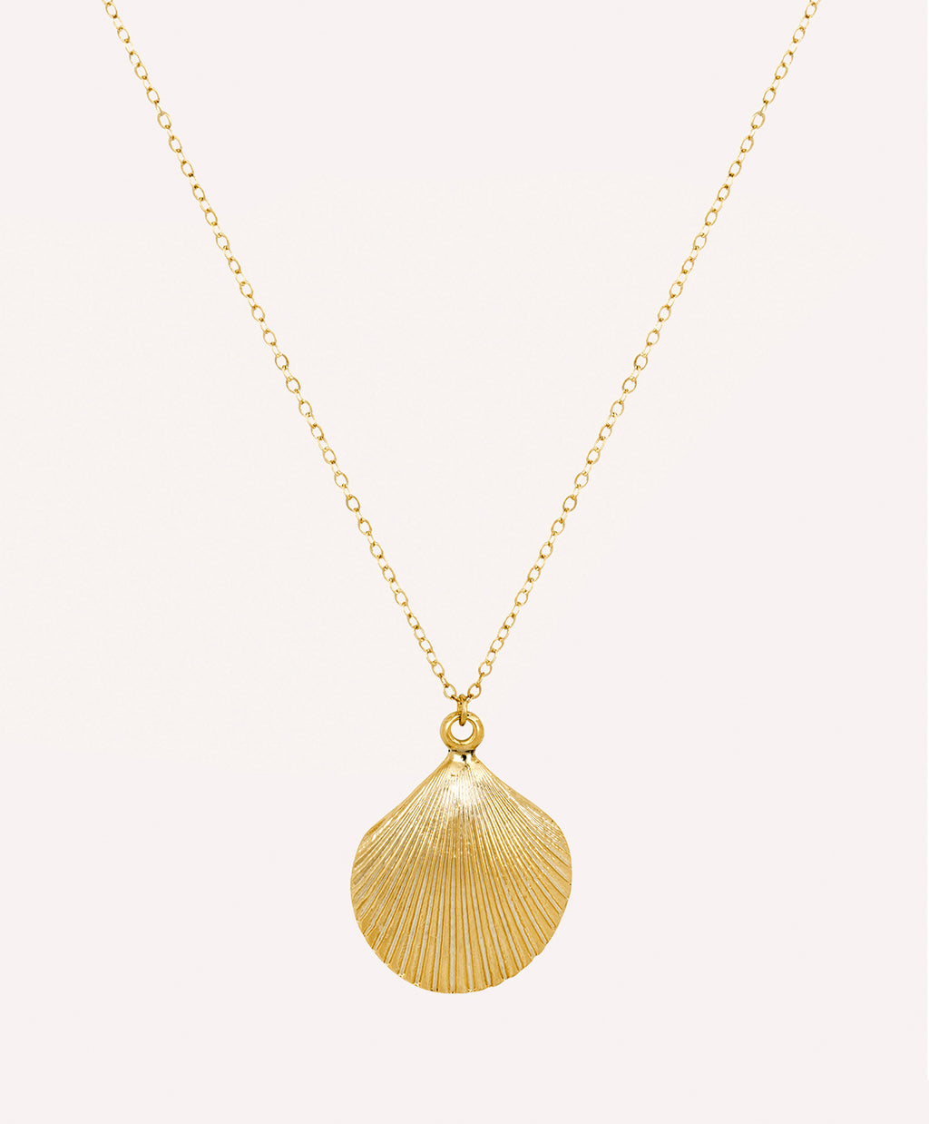 Gold seashell pendant necklace