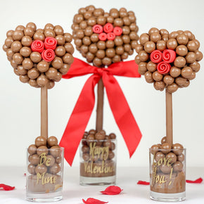 Malteser Heart With Pink or Red Roses