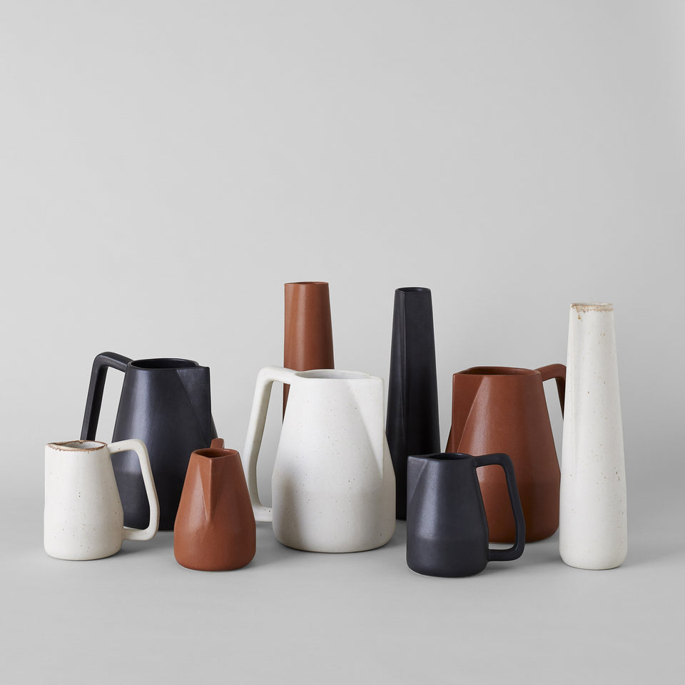 Black Novah Pitcher