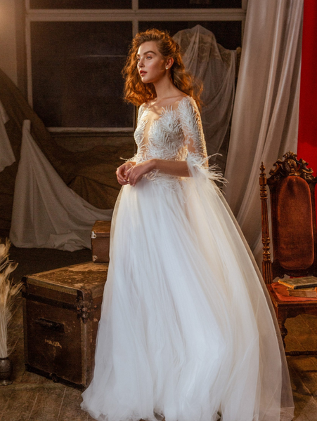 CHOOSING THE RIGHT WEDDING DRESS: ORIGINAL VS. KNOCK-OFF