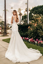 Load image into Gallery viewer, Los Angeles 'Bette' Elly Haute Couture RTW 068-485 Ready To Wear European Bridal Wedding Gown Designer Philippines