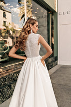 Load image into Gallery viewer, Los Angeles 'Siena' Elly Haute Couture RTW 075-395 Ready To Wear European Bridal Wedding Gown Designer Philippines