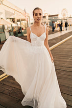 Load image into Gallery viewer, Los Angeles 'Rachel' Elly Haute Couture RTW 090-390 Ready To Wear European Bridal Wedding Gown Designer Philippines