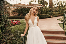 Load image into Gallery viewer, Los Angeles 'Leighton' Elly Haute Couture RTW 102-340 Ready To Wear European Bridal Wedding Gown Designer Philippines