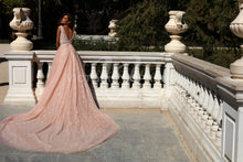 Load image into Gallery viewer, The One Collection 'Selesta' Victoria Soprano RTW 15918-477 Ready To Wear European Bridal Wedding Gown Designer Philippines