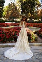 Load image into Gallery viewer, The One Collection 'Tiara' Victoria Soprano RTW 17318-419 Ready To Wear European Bridal Wedding Gown Designer Philippines