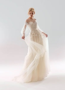 White Wind 'Aelita' Papilio Bridal RTW 18-1904L-250 Ready To Wear European Bridal Wedding Gown Designer Philippines