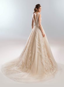 White Wind 'Lavander' Papilio Bridal RTW 1911L-355 Ready To Wear European Bridal Wedding Gown Designer Philippines