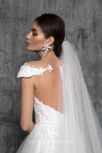 Load image into Gallery viewer, Chic Royal Collection 'Melissa' Victoria Soprano RTW 20719-303 Ready To Wear European Bridal Wedding Gown Designer Philippines