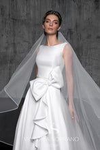 Load image into Gallery viewer, Chic Royal Collection 'Constance' Victoria Soprano RTW 21019-270 Ready To Wear European Bridal Wedding Gown Designer Philippines