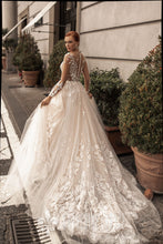 Load image into Gallery viewer, Muse in Naples 'Alfradita' Katherine Joyce Paris RTW 07201-380 Ready To Wear European Bridal Wedding Gown Designer Philippines