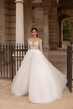 Load image into Gallery viewer, 'Diana' Giovanna Alessandro Collection RTW 790