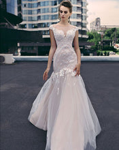 Load image into Gallery viewer, Queen Collection 'Helen' Trishie Couture RTW Ready To Wear European Bridal Wedding Gown Designer Philippines