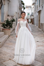 Load image into Gallery viewer, Italian Dream 'Marianna' Nora Naviano Sposa RTW 18312-276