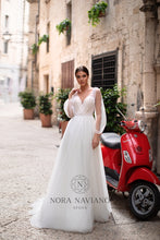 Load image into Gallery viewer, Italian Dream 'Marina' Nora Naviano Sposa RTW 18319-297 Ready To Wear European Bridal Wedding Gown Designer Philippines