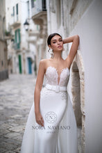 Load image into Gallery viewer, Italian Dream 'Marsha' Nora Naviano Sposa RTW 18322-400 Ready To Wear European Bridal Wedding Gown Designer Philippines
