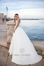 Load image into Gallery viewer, Italian Dream 'Matina' Nora Naviano Sposa RTW 19008-212 Ready To Wear European Bridal Wedding Gown Designer Philippines