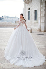 Load image into Gallery viewer, Italian Dream 'Maura' Nora Naviano Sposa RTW 20001-477 Ready To Wear European Bridal Wedding Gown Designer Philippines