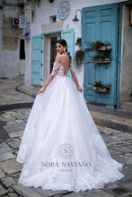 Load image into Gallery viewer, Italian Dream 'Mercy' Nora Naviano Sposa RTW 20019-371 Ready To Wear European Bridal Wedding Gown Designer Philippines