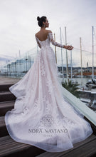 Load image into Gallery viewer, Voyage 'Vanda' Nora Naviano Sposa RTW 17319-00 Ready To Wear European Bridal Wedding Gown Designer Philippines