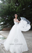 Load image into Gallery viewer, Voyage 'Velvet' Nora Naviano Sposa RTW 17330-00 Ready To Wear European Bridal Wedding Gown Designer Philippines