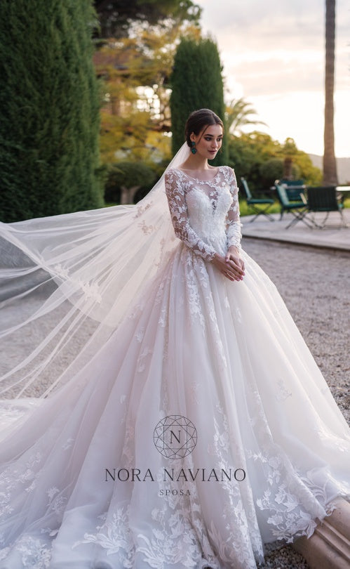 Voyage 'Vogue' Nora Naviano Sposa RTW 18027-00 Ready To Wear European Bridal Wedding Gown Designer Philippines