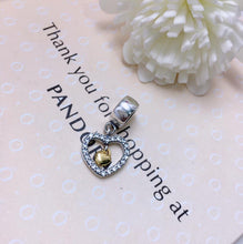 Load image into Gallery viewer, Sparkling double heart Pandora charm 92.5 Italy silver
