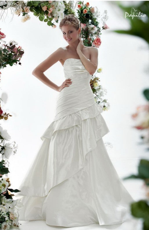 Papilio Bridal Wedding Dress SALE Collection RTW 1220-70 (Size 38)