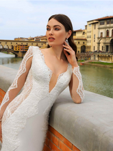 Load image into Gallery viewer, Renascence 'Giulia Gonzaga' Innocentia RTW INWI 1815-490 Ready To Wear European Bridal Wedding Gown Designer Philippines